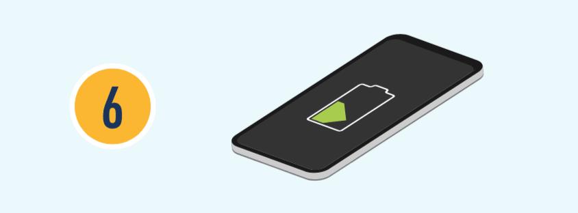 數字六和一支手機正在充電的插圖。